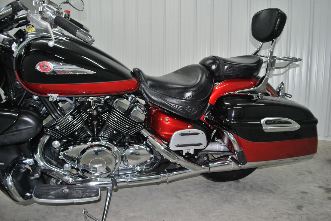 yamaha v star deluxe with 2005 Yamaha Royal Star on Watch further 41172 furthermore 111 Cadres Et Roues likewise Yamaha Royal Star also 1977 Yamaha Ch  Motorcycle 103476.