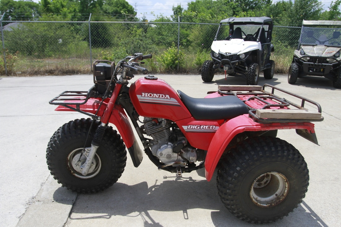 1985 Honda Big Red Color: Red Price: $1,000. Call For More Info And  Pictures!